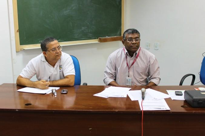 Jansen e Mariano conduzem os trabalhos da mesa.