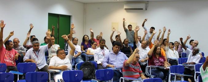 Trabalhadores aprovam - por unanimidade - Moçao de Apoio ao professor do campus Chapadinha.