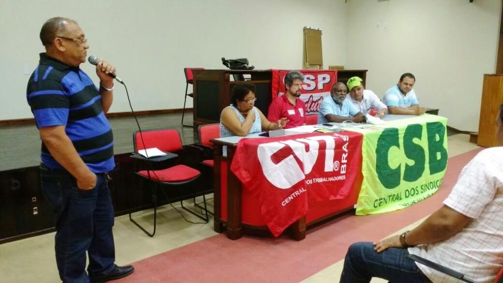 Ademar Sena participa da reunião das Centrais Sindicais